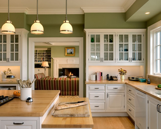 Kitchen with Traditional Styling